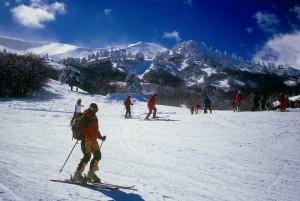 Χιονοδρόμοι σε δράση στις βουνοπλαγιές