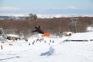 Οι snowboarders προσφέρουν θέαμα