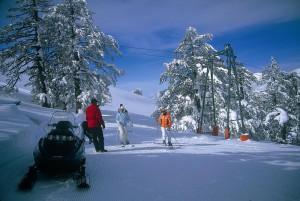 Διάσωση τραυματισμένου χιονοδρόμου