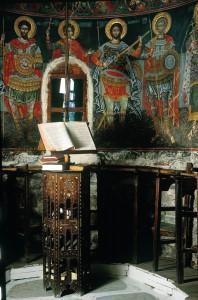 Το εσωτερικό της Μονής